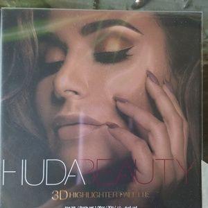 HUDA BEAUTY Makeup - Huda Beauty 3D Highlighter Palette
